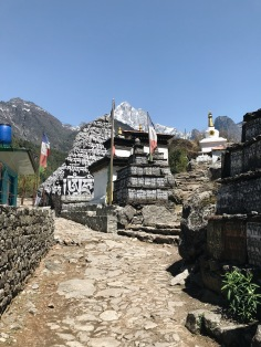 How to Trek the Three Passes Independently: Mani stones